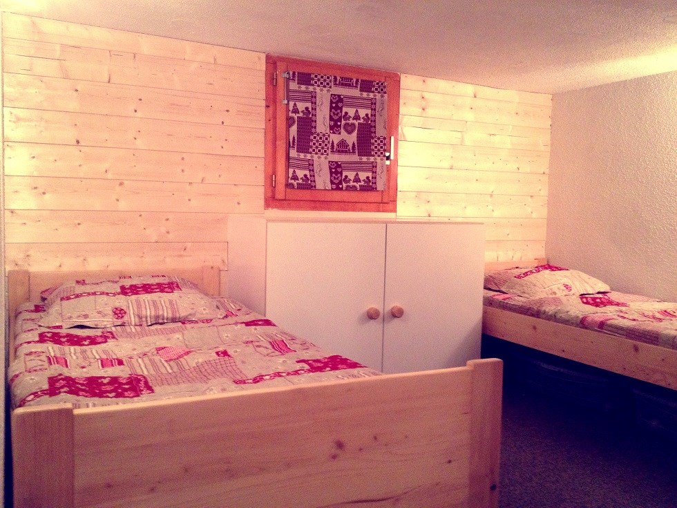 Chambre 2 lits simples location les arcs 1800 for Chambre 2 lits